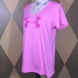 Pink Under Armour heat gear V-neck T-shirt LIKENEW